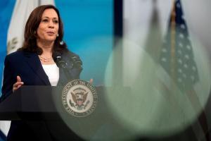 EEUU evalúa opciones para responder a Bukele por destituciones en El Salvador