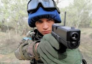 """El venezolano Alex Castillo brilla en la televisión española con """"Fuerzas de Paz"""""""