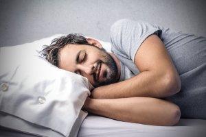 """Cómo tener sueños lúcidos para estar """"conscientes"""" mientras duermes"""