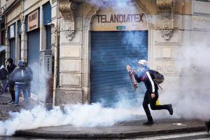 Colombia: Convulsionada entre el vandalismo y las muertes (Videos)