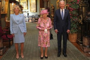 La reina Isabel II recibió a Joe y Jill Biden en el castillo de Windsor (FOTOS)