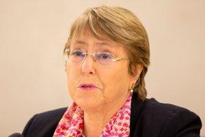 Bachelet llama a no regresar al sistema injusto de antes de la pandemia