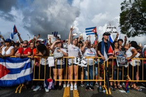 Continúan manifestaciones en Miami para apoyar al pueblo cubano en su lucha por la libertad