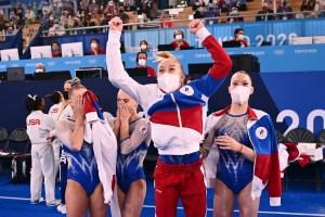 Gimnastas rusas ganaron el oro olímpico en la categoría por equipos a EEUU tras la salida de Simone Biles