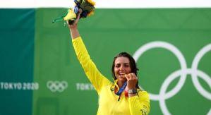Utilizó un condón para reparar su kayak y ganó la medalla de bronce en Tokio