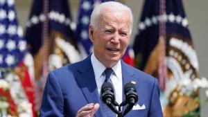 Biden considera el mandato de vacunas para los trabajadores federales