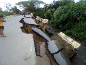 Colapsa puente La Cabrera en los Valles del Tuy