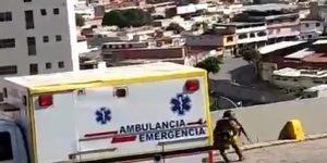 """Funcionarios llegaron en una ambulancia para enfrentar a """"el Koki"""" (Video)"""
