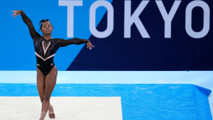 La campeona olímpica de gimnasia Simone Biles, fuera de las finales por equipos de Tokio 2020