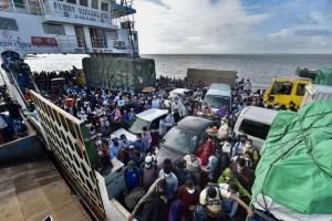 Al menos 17 muertos al caer un rayo sobre un barco en Bangladesh