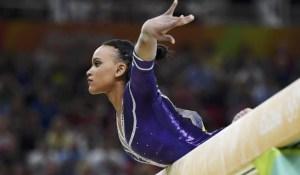 La historia de superación de Rebeca Andrade, brasileña que conquistó el oro en salto de caballo