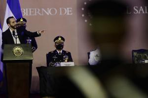 Bukele dobla su apuesta por el Ejército salvadoreño: ¿Un viejo aliado para confiar?