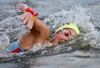 En Imágenes: Así fue el nado de Paola Pérez en competencia olímpica de aguas abiertas