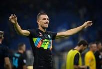 Inter se dio un festín ante el Bologna y es líder provisional de la Serie A