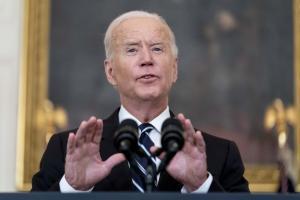 """Biden reconoció que aún está """"muy lejos"""" la solución de dos Estados para israelíes y palestinos"""
