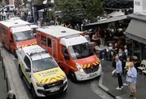 Una mujer atropelló con su carro a clientes de un bar cerca de París y reportan al menos seis heridos (VIDEO)