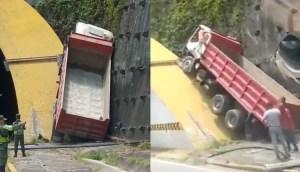 Camión chocó contra túnel de Turumo en la autopista GMA, sentido Guarenas (VIDEO)