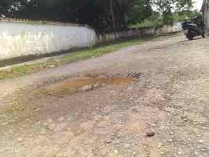 Huecos, aguas negras y basura: La decadencia en las calles del sector Unión en Bejuma
