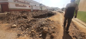 ¡Asqueroso! Hidrolara deja piscinas de excremento en comunidades de Carora (FOTOS)