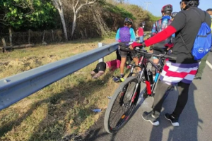 Conductor borracho arrolló a ciclistas en Valle del Cauca e intentó huir