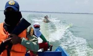 PoliMaracaibo rescató peñero a la deriva con dos tripulantes en el Lago