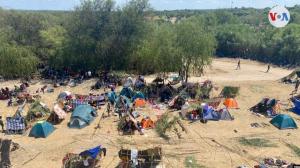 Imágenes: Venezolanos también aguardan en frontera de Texas para entrar a EEUU